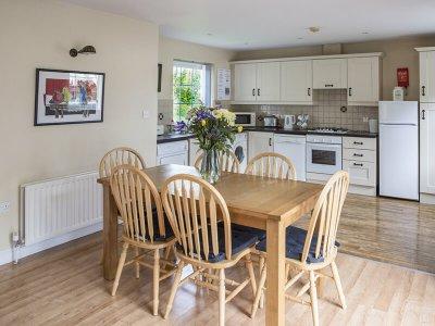 Cottage 3 - Kitchen